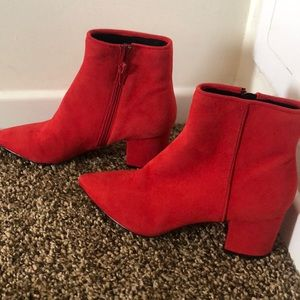 Steve Madden size 6.5 red booties